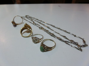 金 プラチナ、ネックレスや指輪の買取がありました