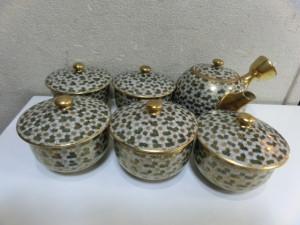 広島市西区のお客様から九谷の急須や茶たくなどを買い取りさせていただきました。