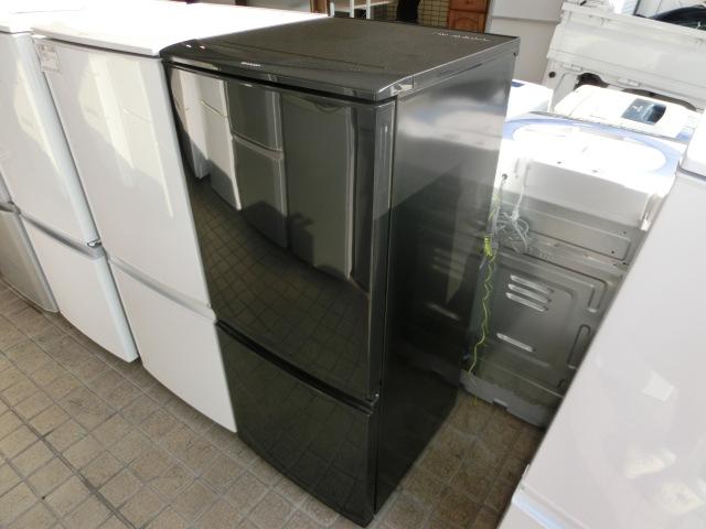 シャープ 冷凍冷蔵庫(SJ-D14B)入荷しました